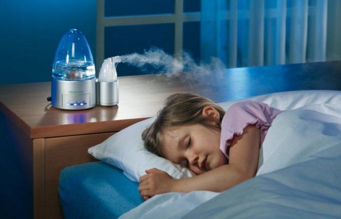Увлажнитель воздуха в спальне
