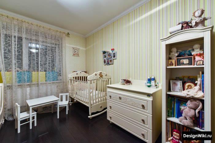 Белый детский столик