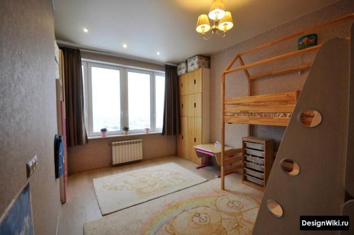Интерьер детской комнаты с креативной кроватью