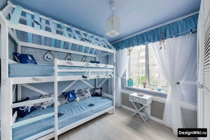 Красивая дизайнерская двухъярусная кровать