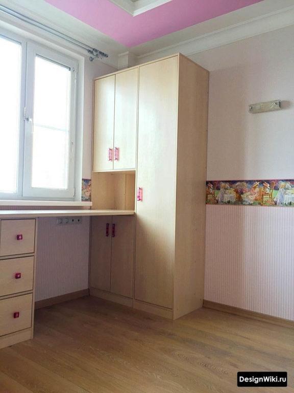 Рабочий шкаф-стол для детей
