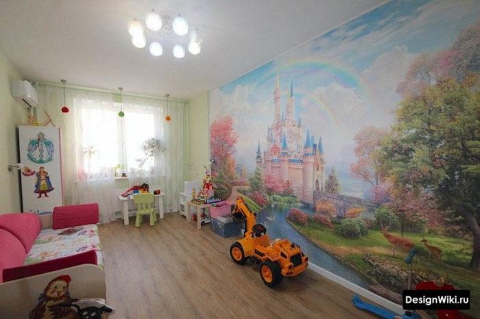 Фотообои со сказочным замком в детской
