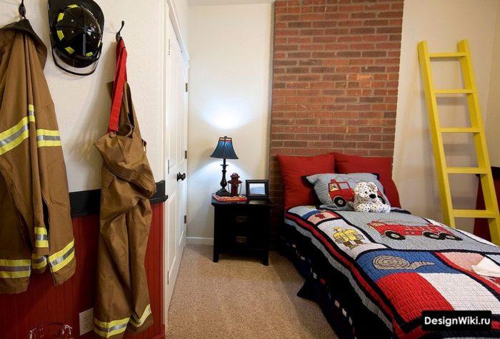 Кирпичная кладка в интерьере детской комнаты для мальчика