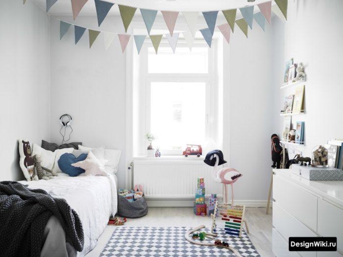 Полностью белая детская комната