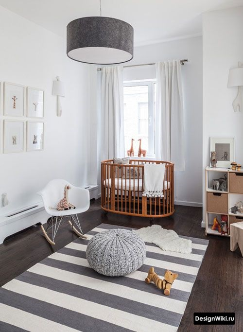 Полосатый ковер в детской комнате мальчика