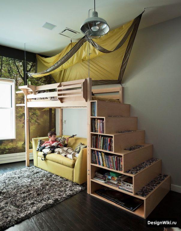 Стильная деревянная кровать-чердак для мальчика