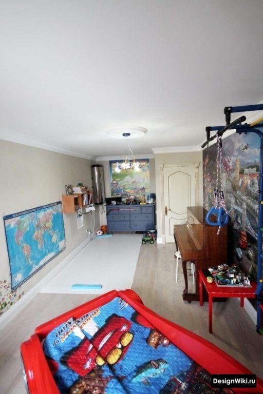Узкая детская комната