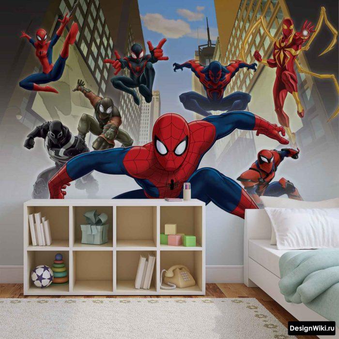 Фотообои с человеком пауком в комнате мальичка