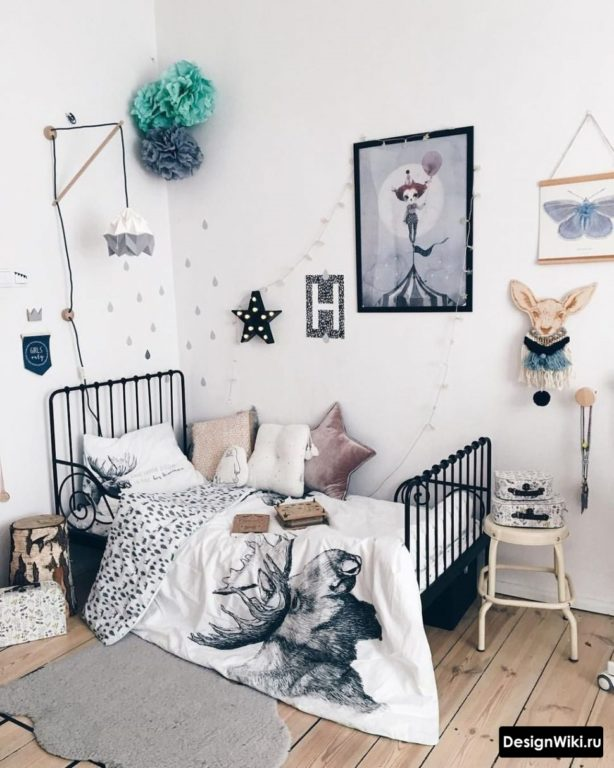 Белые крашенный стены в детской оформление