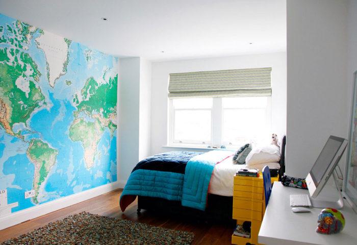 Карта на всю стену в комнате подростка