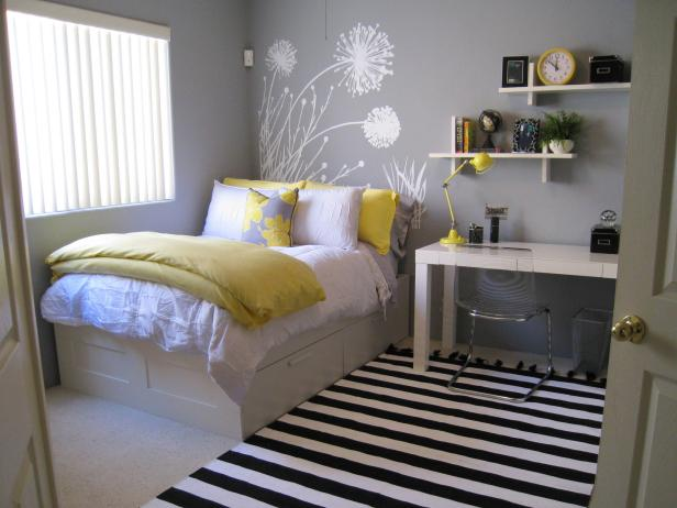 Серо-желтая комната подростка