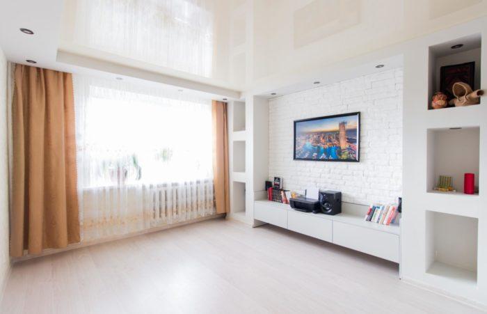 Стильный дизайн комнаты в однушке