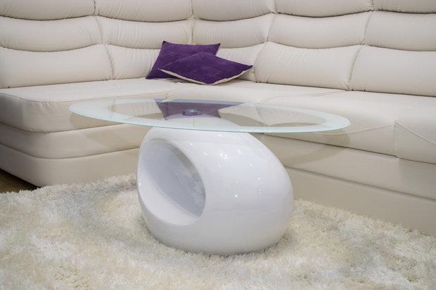 Сферический белый глянцевый журнальный столик