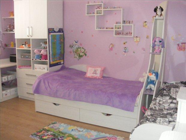 Фиолетовый дизайн детской комнаты