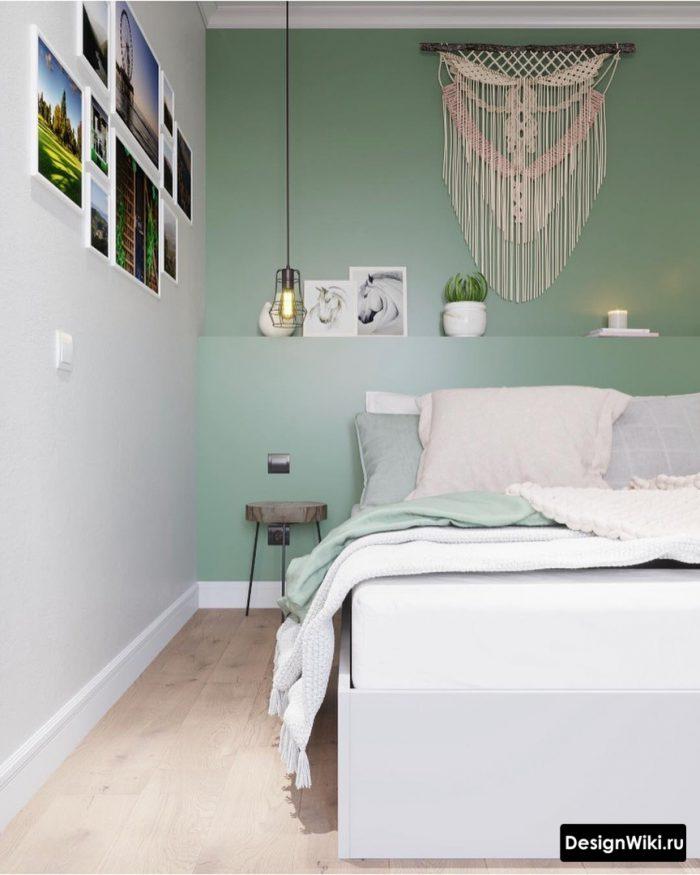 бирюзовая акцентная стена в спальне