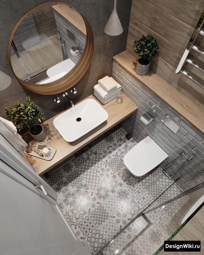 серая плитка дерево и узоры в скандинавском интерьере ванной