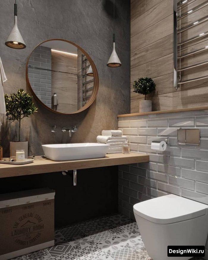 сочетание серого кирпича и дерева в ванной в скандинавском стиле