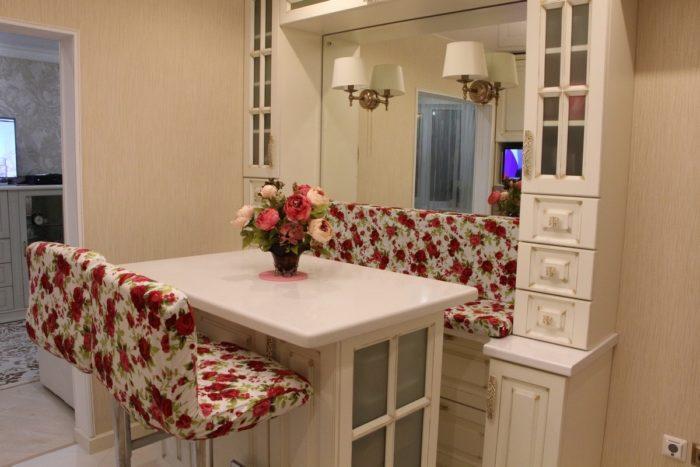 Барный стол стойка со шкафами
