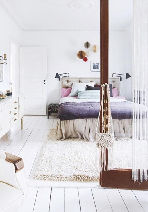 Большая минималистичная спальня