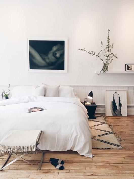 Дизайн спальни с паркетом