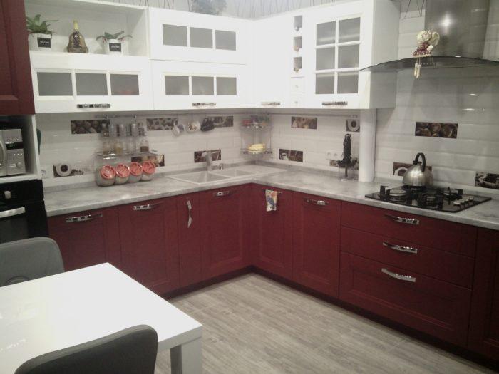 Дизайн угловой кухни по проекту 13 метров