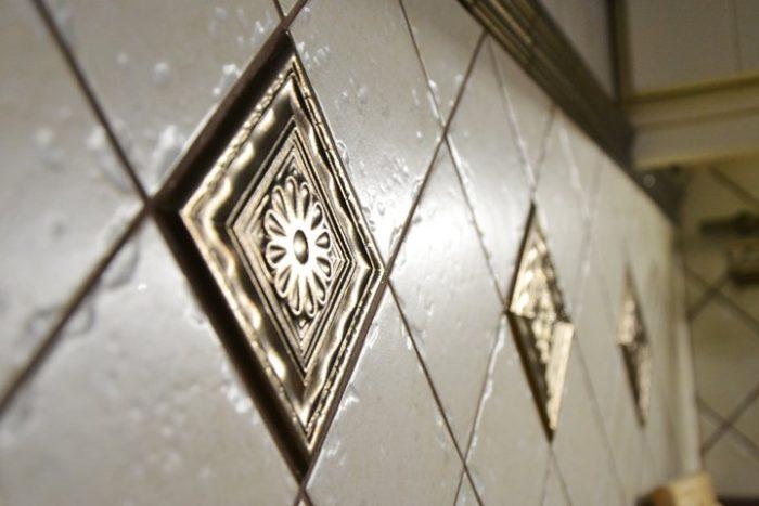 Классический дизайн плитки на фартук