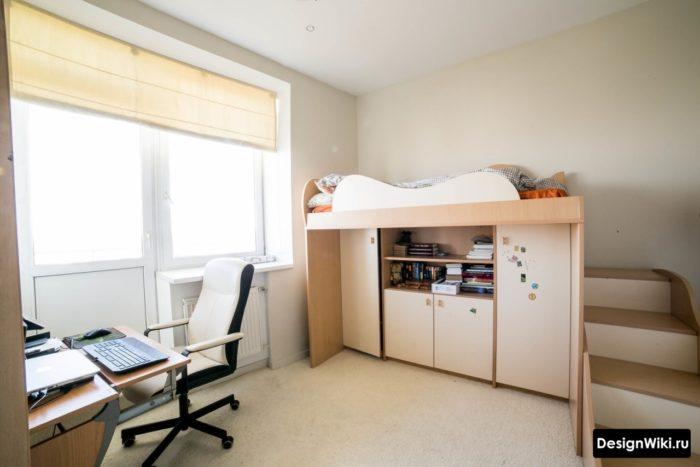 Кровать-чердак со ступеньками для ребенка