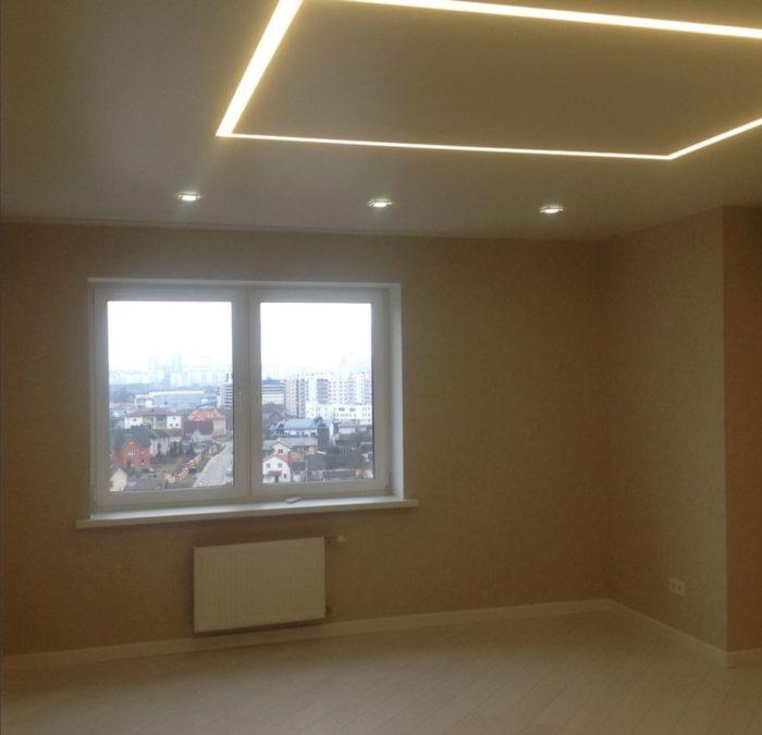 Профиль со светодиодной лентой в потолке