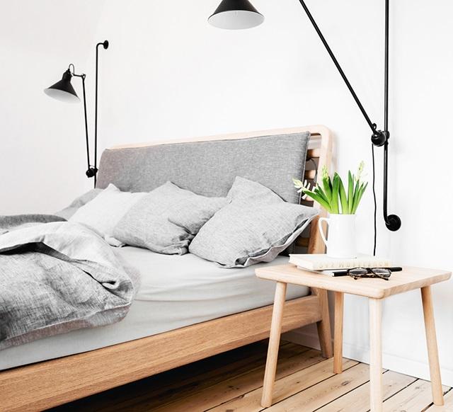 Светильники в стиле минимализм в спальне