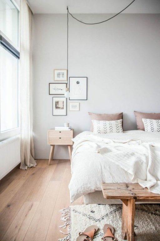 Серый и бледно-розовый в спальне в стиле минимализм