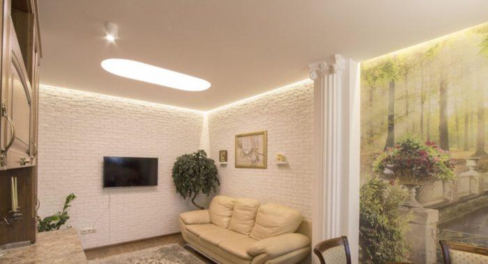 Современный дизайн потолка с подсветкой