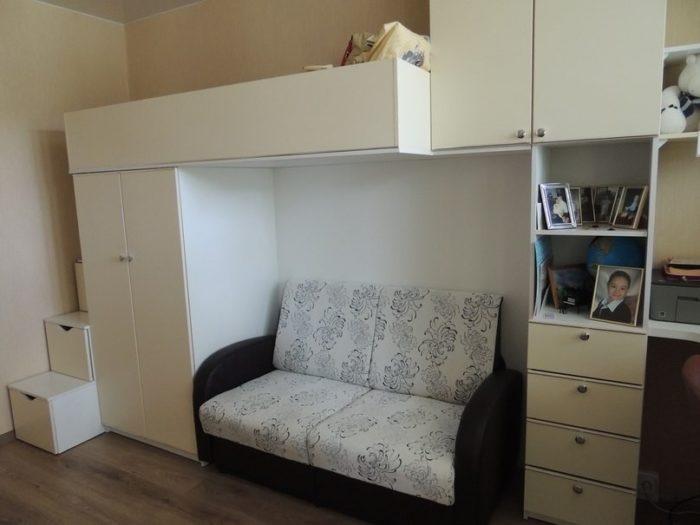 Спальня и детская в одной комнате идея двухэтажной зоны
