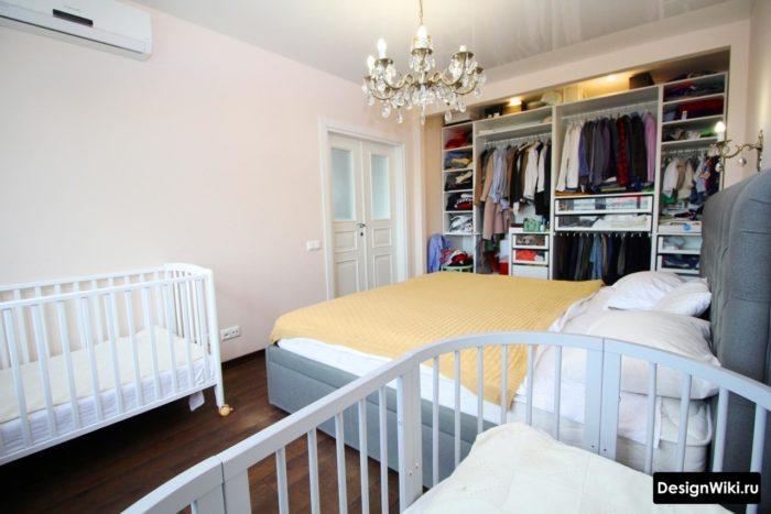 Спальня и 2 ребенка в 1 комнате