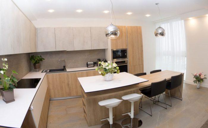 Стильная лофт кухня-гостиная