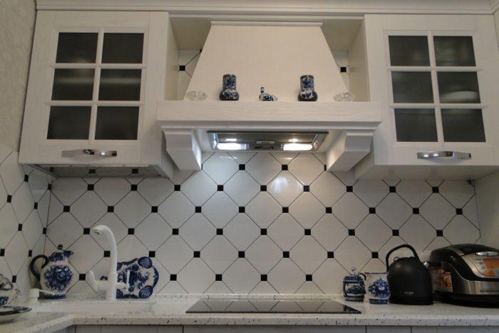 Стильный классический дизайн фартука для кухни