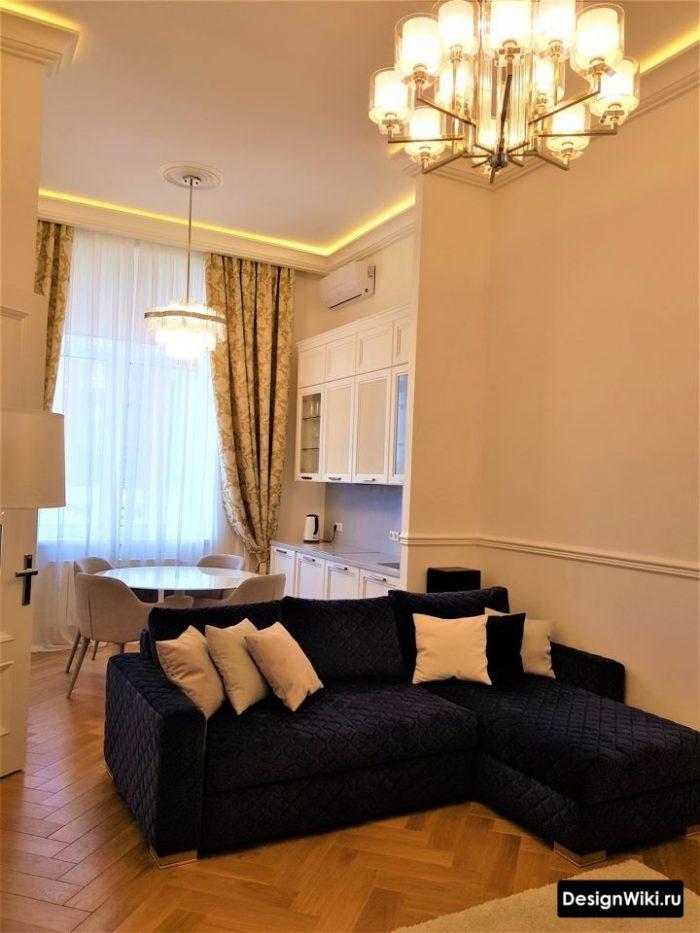 дизайн подсветки потолка в классическом стиле