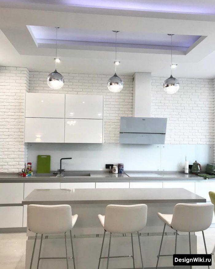 потолок над островом на кухне