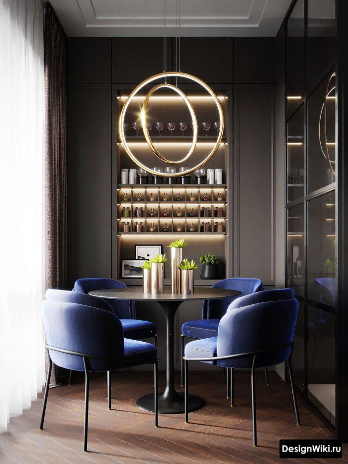 синие стулья в интерьере