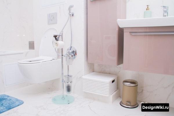 Белая плитка в ванную комнату