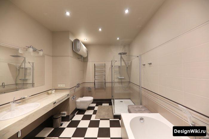Большая ванная комната с туалетом