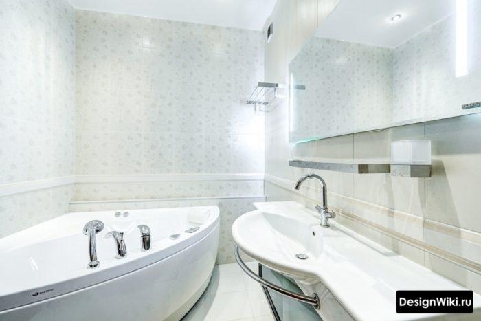 Бордюр в совмещенной ванной