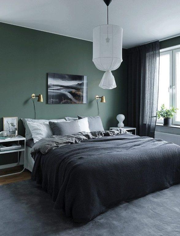 Грязный тёмно-зелёный цвет стен в спальне