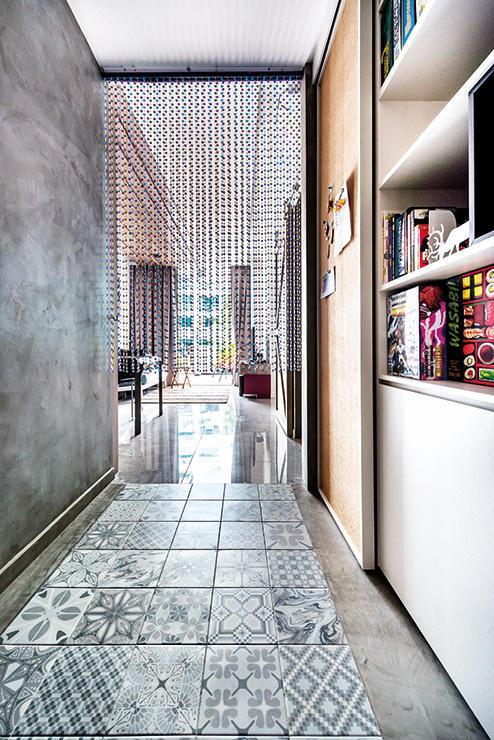 Декоративная штукатурка под бетон в коридоре
