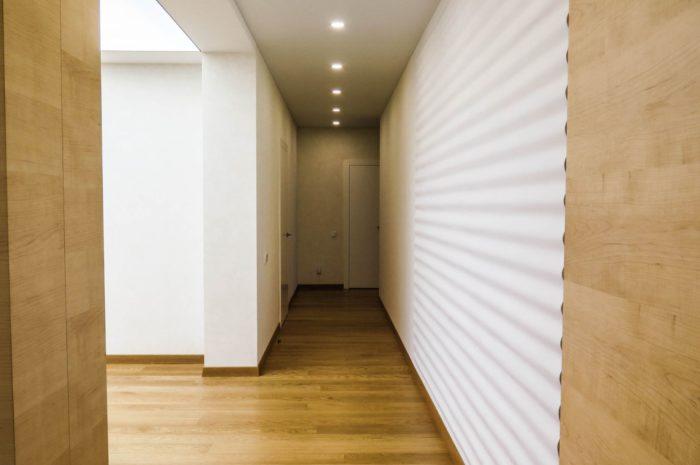 Дизайн интерьера коридора хай-тек