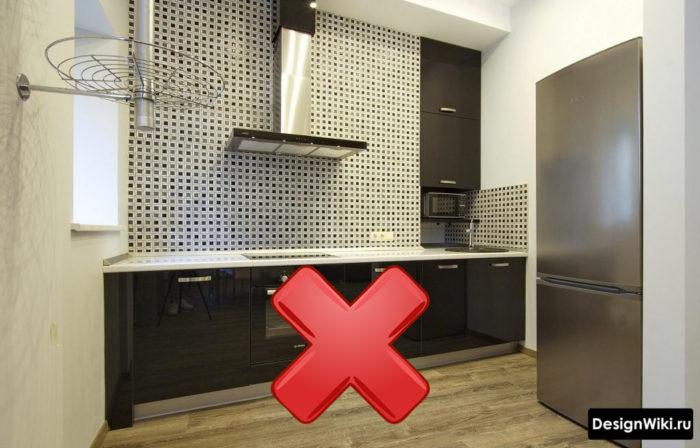 Дизайн маленькой кухни без верхних шкафов