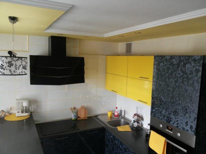Желтый кухонный гарнитур