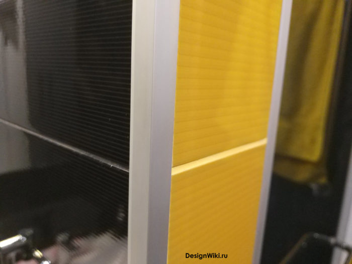 Затирка жёлтого и чёрного цвета
