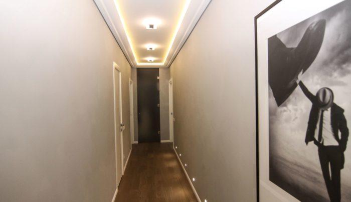 Интерьер коридора светильники в полу