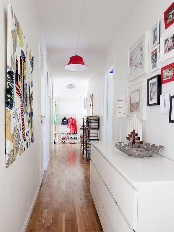 Картины в интерьере коридора