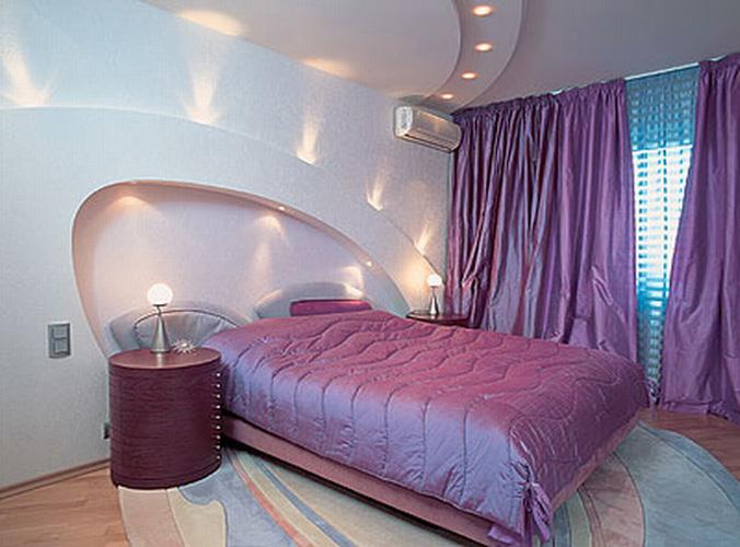 Кривые линии в современной спальне